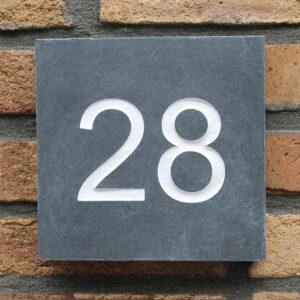 Leisteen huisnummerborden